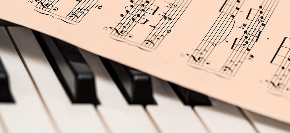 partitura con lenguaje musical