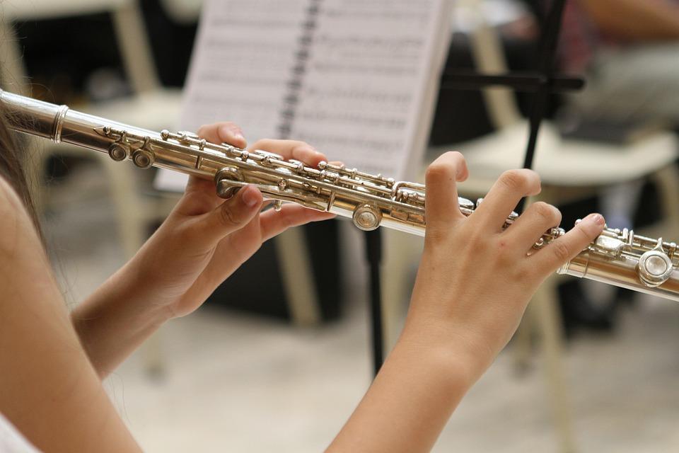 como tocar la flauta