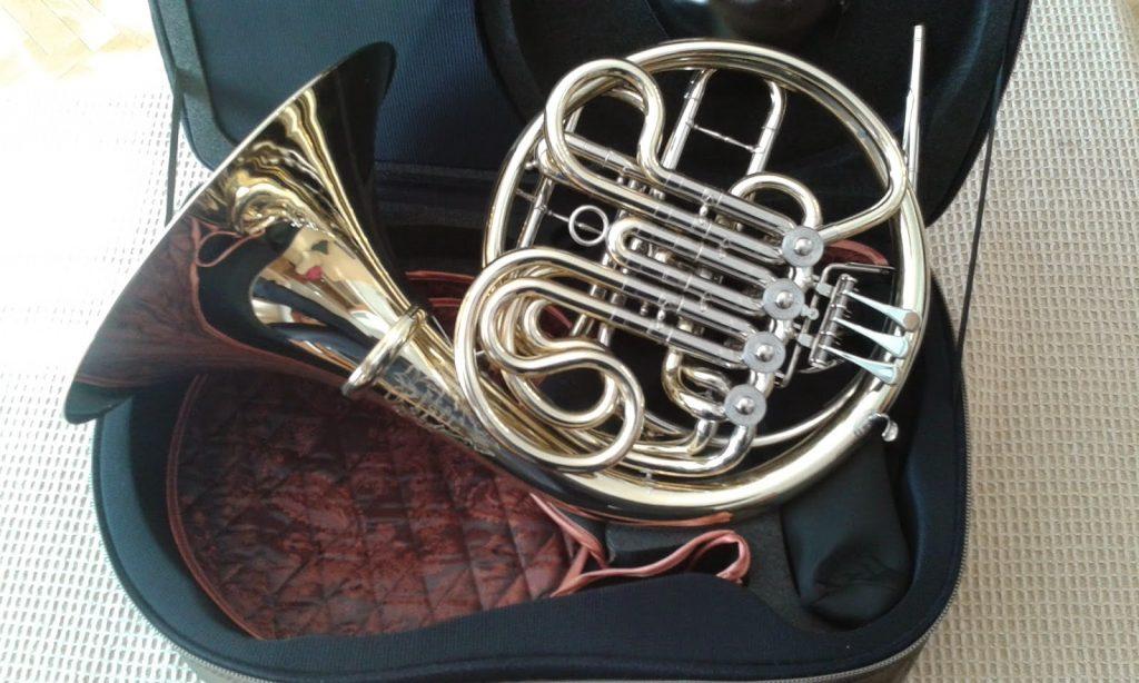 Trompa instrumento musical